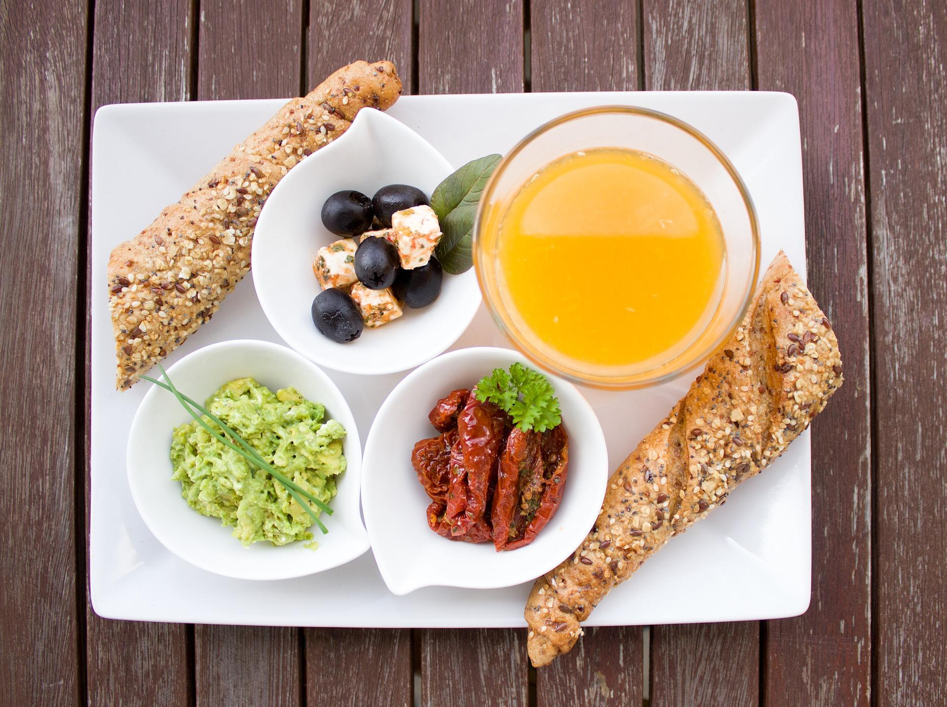 breakfast-1804436_1920